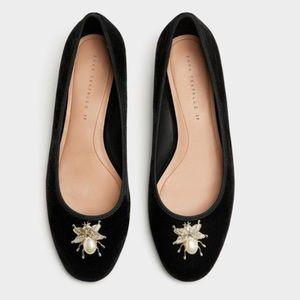 Zara Trafaluc Velvet Gold Pearl Adornment Flats 41
